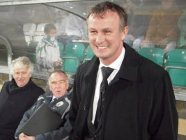 Shamrock's manager & NUFC old boy, O'Neill.