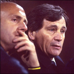 Robson at work with Don Howe, 1982.