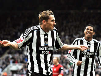 Lovenkrands: Scored again, but had to pull out.