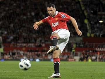 Giggs scoring Man Utd's third of the night.