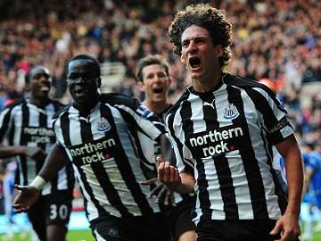 Cheik Tiote and Fabricio Coloccini.