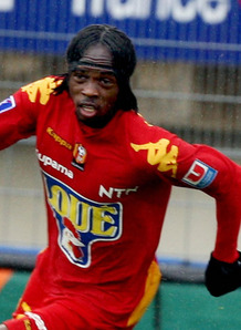 Gervinho snubs Newcastle in favour of Champions League football.