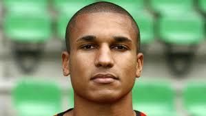 Newcastle United sign Sylvain Marveaux