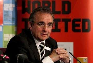 Llambias: Shameless opportunist?
