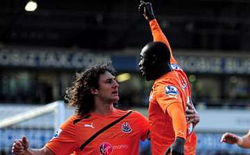 Cisse scores twice as Newcastle beat West Brom
