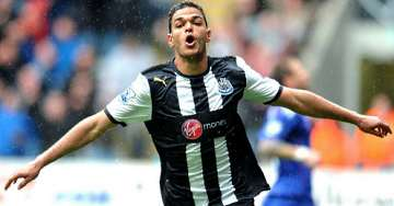 Hatem Ben Arfa scoring against Bolton.