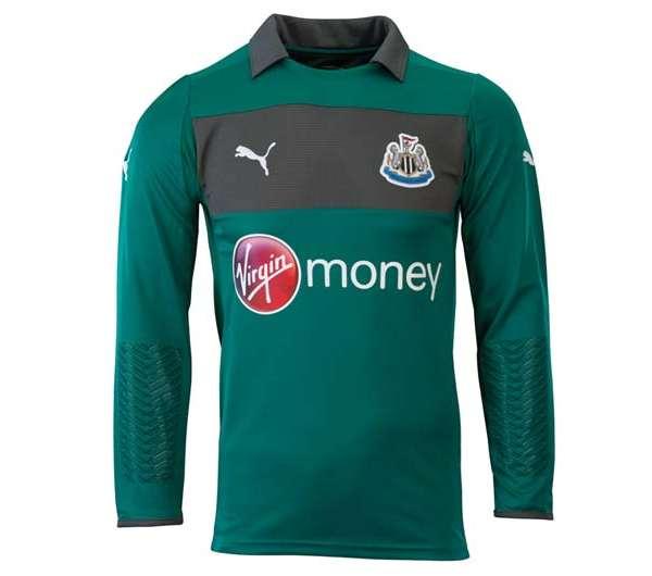 Newcastle United goalkeeper's change kit, 2012-13