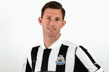 Mike Williamson: Top defender.