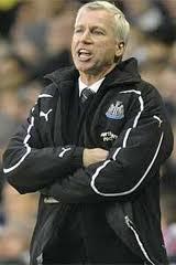Alan Pardew admonishes Jose Enrique over Twitter comments.