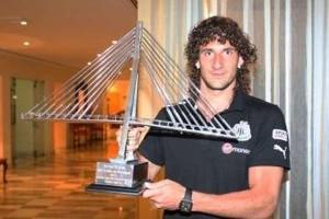 """Coloccini holds """"El Trofeo del Guadiana."""""""